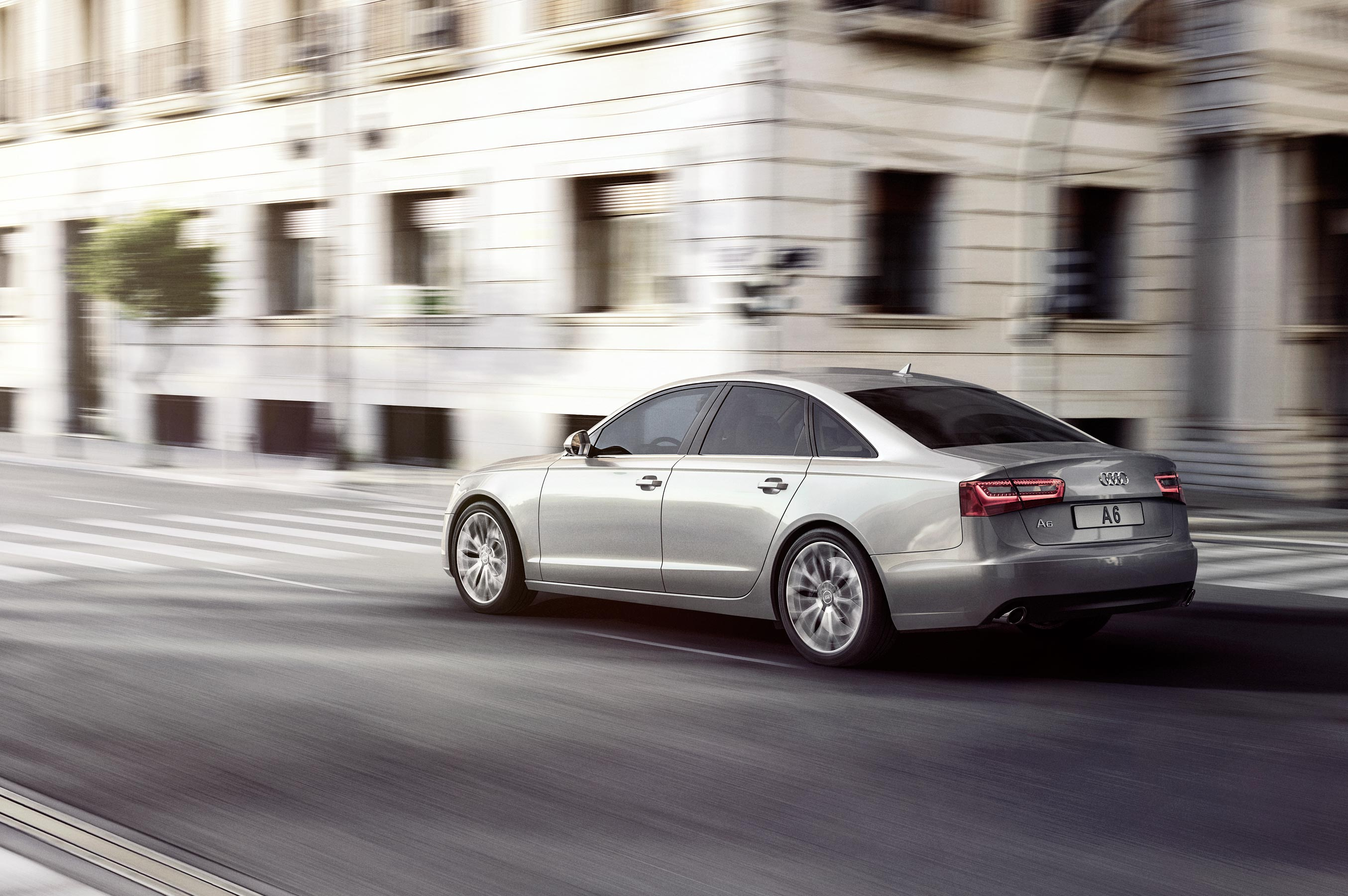 audi_cgi_exterior_location_tank_london_02
