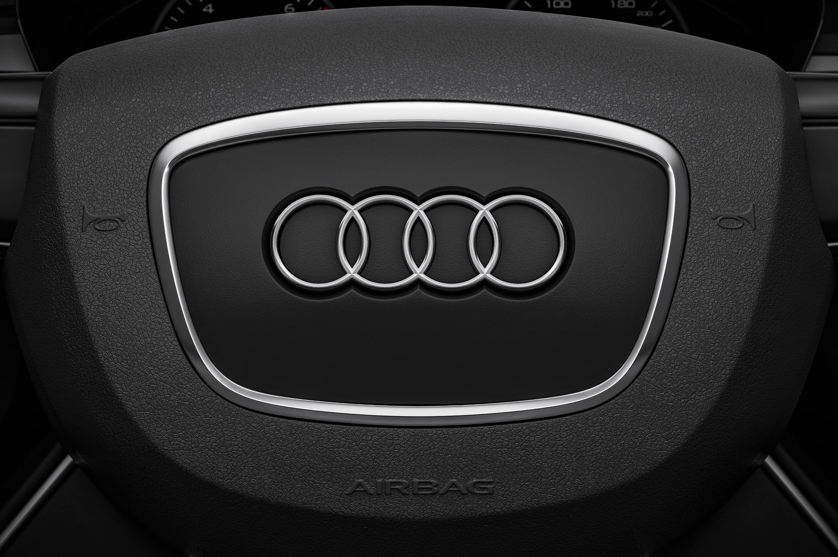 audi_cgi_interior_tank_london_04
