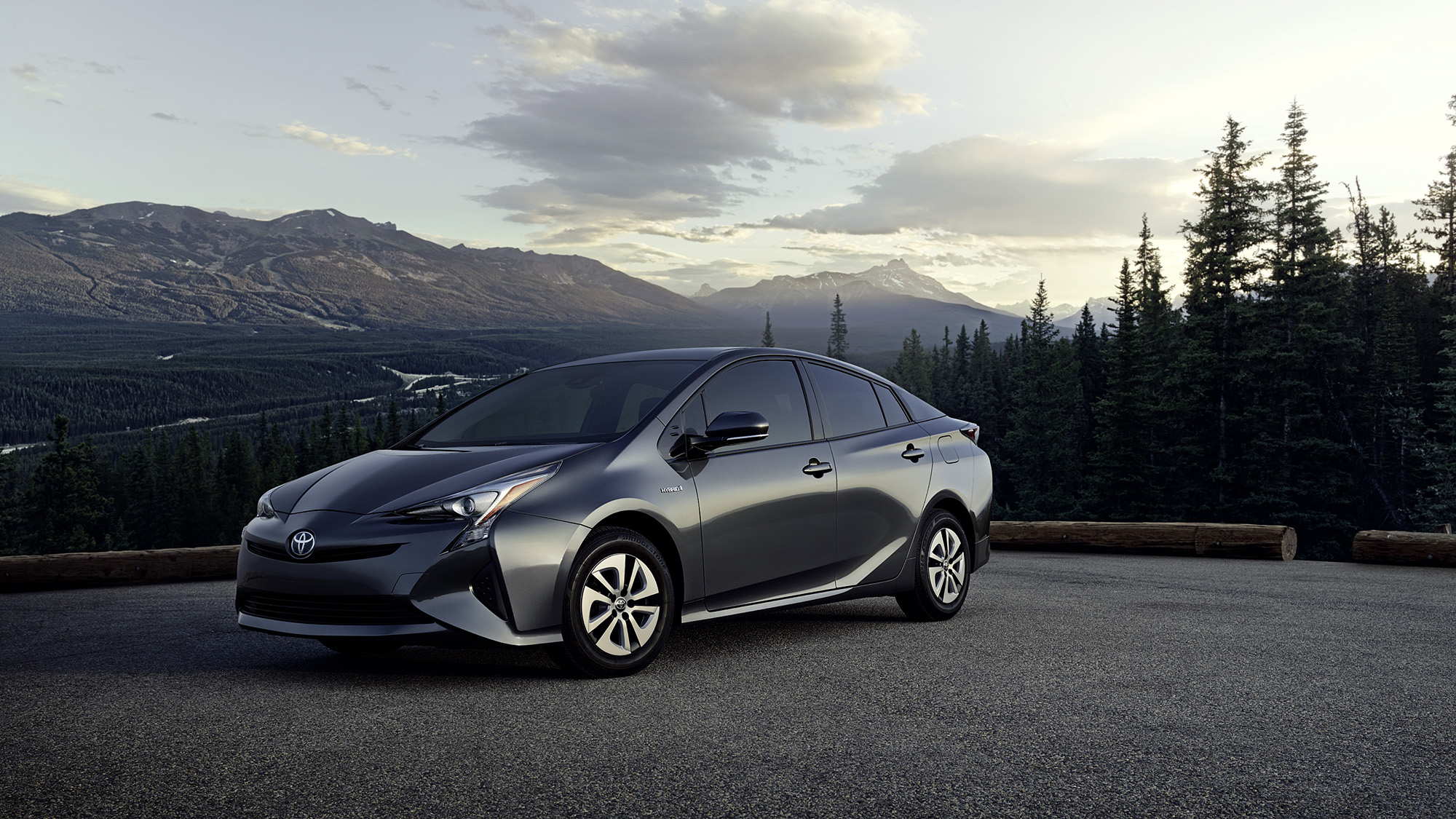 dw_1709_prius_beauty_04_comp_w6