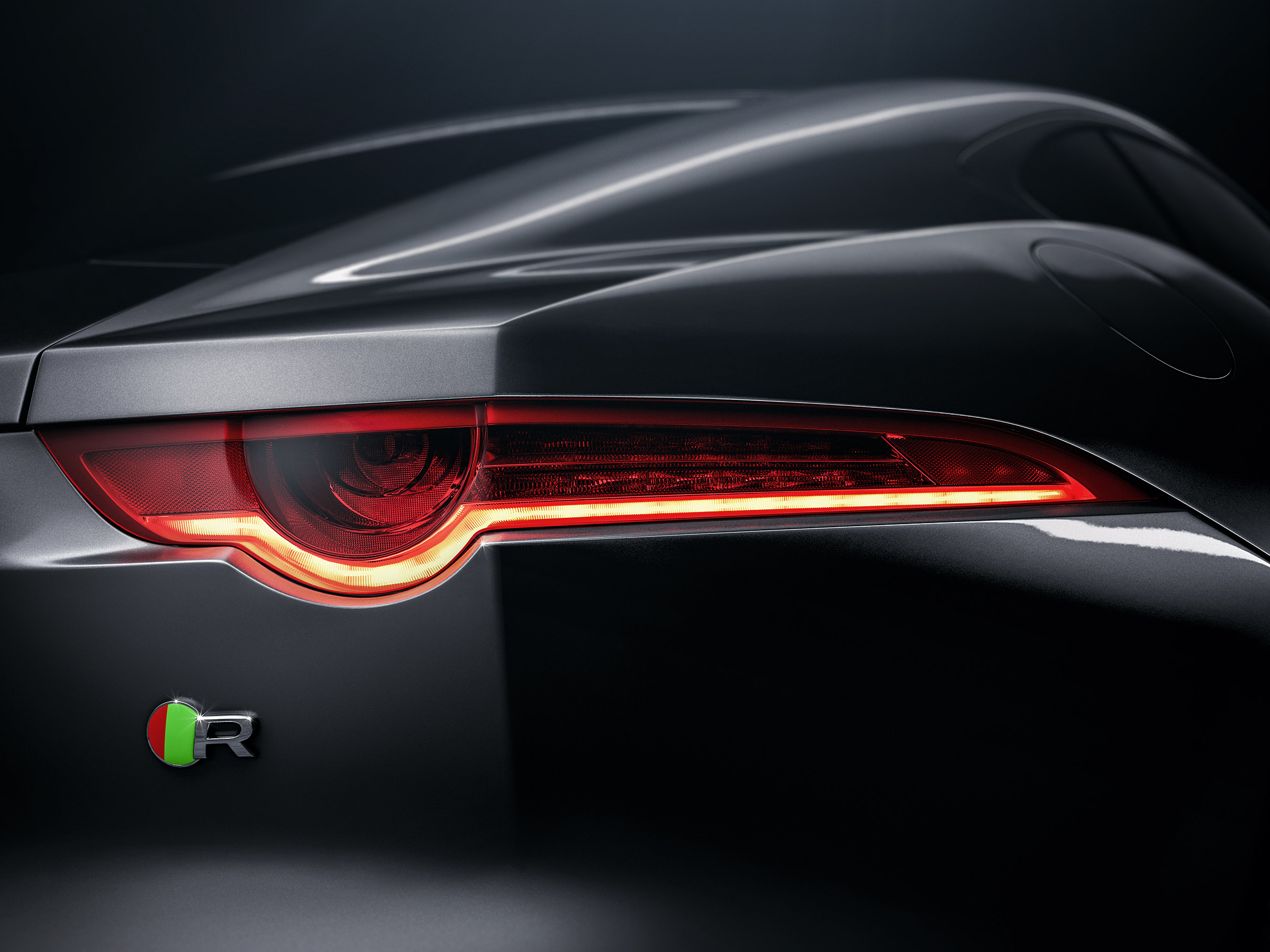 jaguar-ftype-f-type-tank-cgi-retouch-london-post-production-tail-brake-light-studio