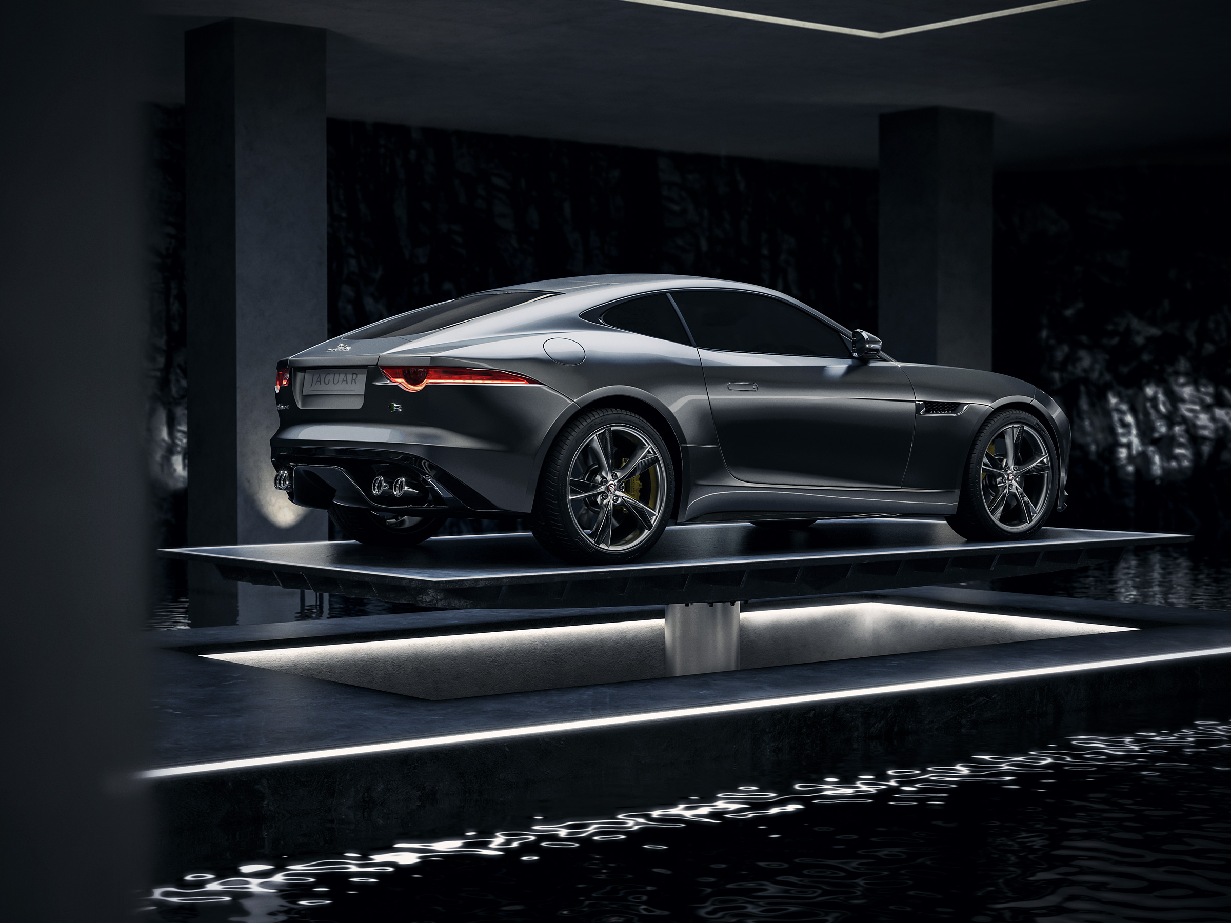 jaguar_ftype_f_type_tank_cgi_retouch_london_post_production_underground_lair_garage_side